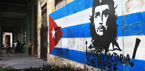 Pintura com rosto de Che Guevara em Havana. Foto Getty Images