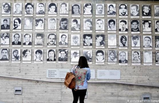 Cientos de personas todavía están listadas como prisioneras desaparecidas durante la dictadura de Pinochet.