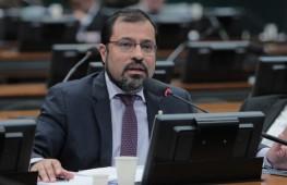 Camilo Capiberibe, do Partido Socialista Brasileiro (PSB), é vice-presidente da comissão