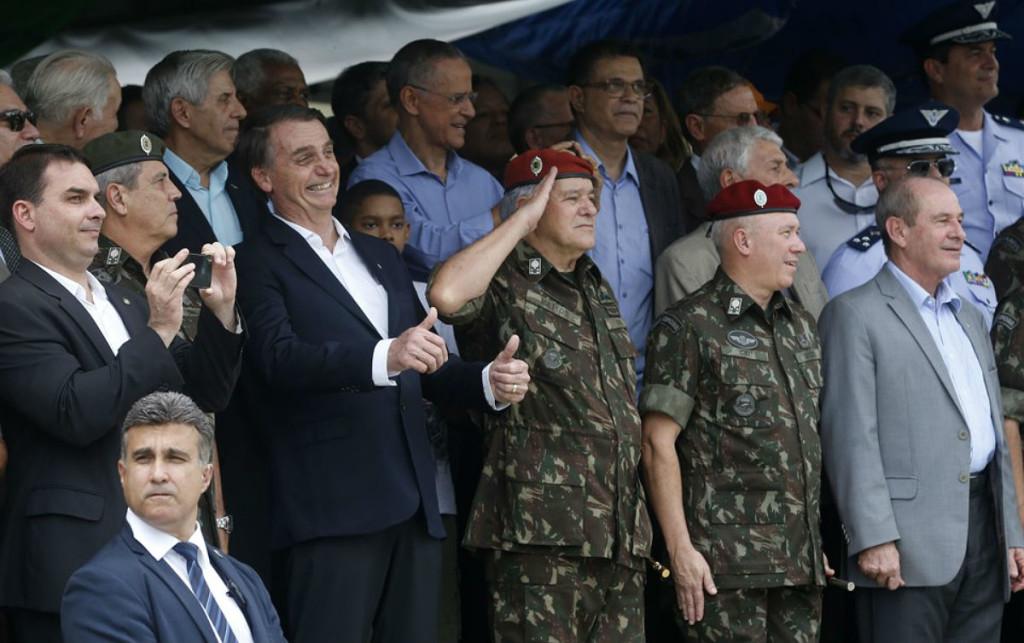 bolsonaro-militares-2